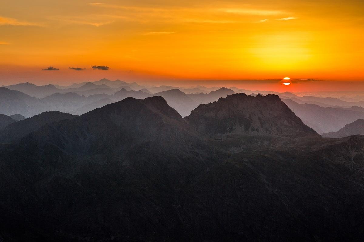 À l'est des Pyrénées - Jean-Christophe Milhet